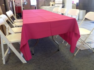 72 X 120 ON 8 FT BANQUET TABLE